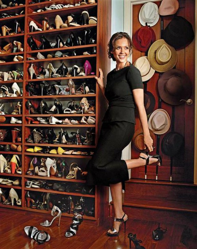 Amazing-and-Luxurious-Celebrity-Closets-Jessica-Alba