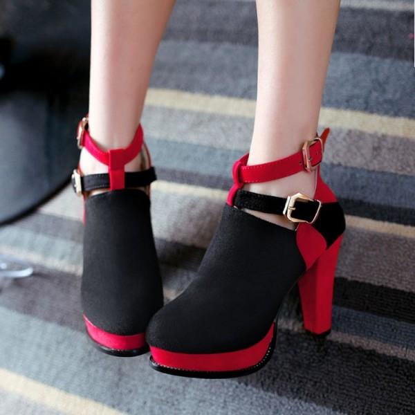Туфли с ремнями