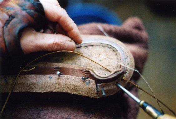 Обработка пятки обуви