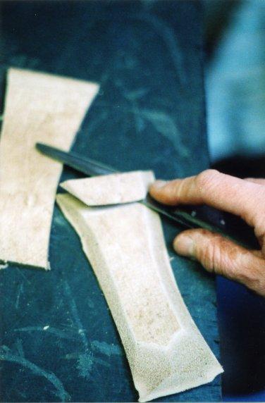 Обработка язычка ботинка