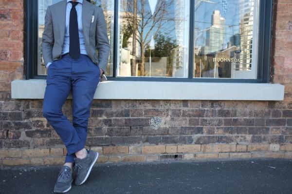silk-blazer-p-johnson-sneakers-grey-men-style-menswear-blog