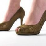 Туфли с открытым носком на высоком каблуке: добавьте изюминку в свой гардероб