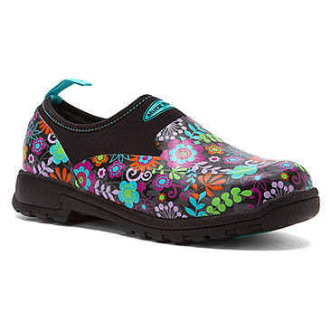 womens-the-original-muck-boot-company-breezy-low-print-black-floral-print-382323_366_45