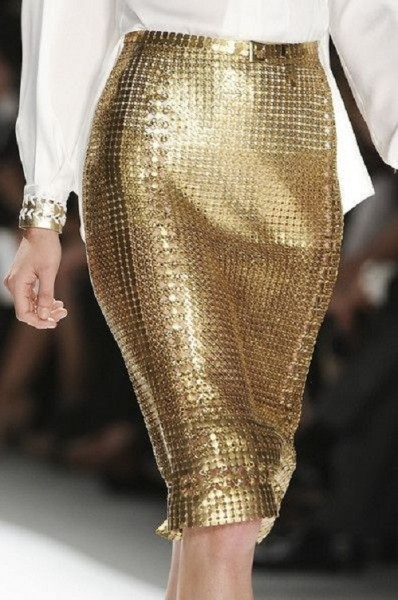 gold-sequinned-skirt