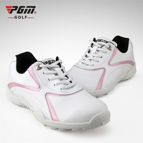 женская-обувь-для-занятий-гольфом