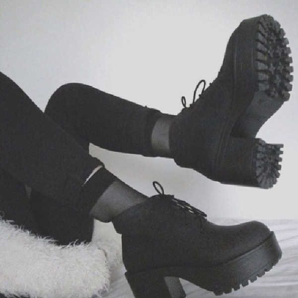 9g4op7-l-610x610-shoes-boots-platform+shoes-chunky-high-heeled-ankle+boot-chelsea+boot-platform+boots-ankle+boots-black+combat+boots-textile+shoes
