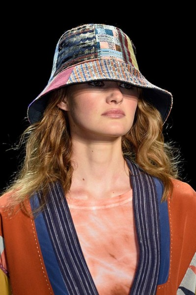 NYFW_spring_2016_best_accessories_BCBG_Max_Azria_bucket_hats
