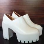 Стильная женская обувь на резиновой подошве