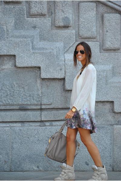beige-zara-dress-beige-marc-by-marc-jacobs-bag-beige-isabel-marant-sneakers_400