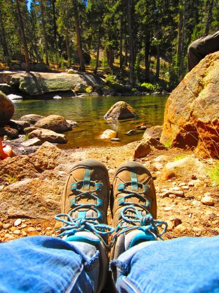 Среднетяжелая туристическая обувь