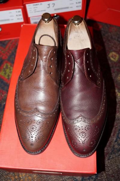 Обесцвечивают обувь