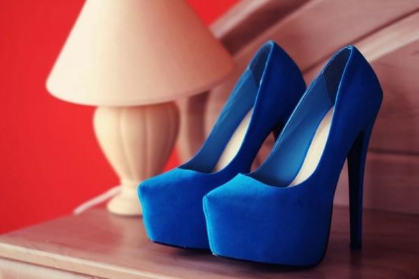 Синие туфли из замши