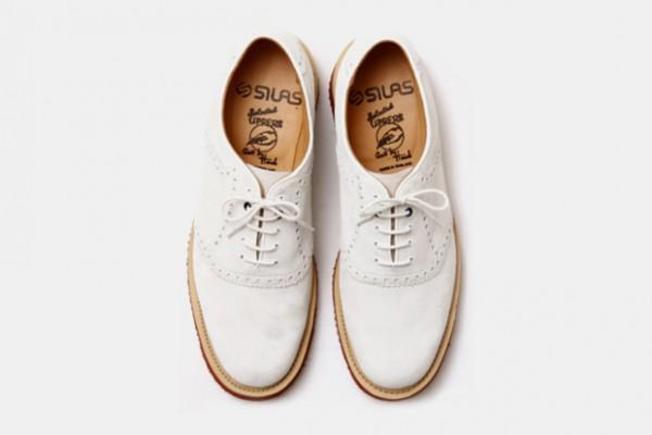 Туфли из белой оленьей кожи