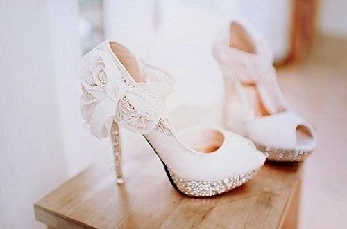 Свадебные-туфли-роскошь
